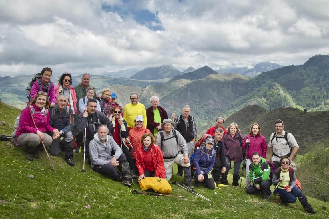 27 abril, 2019: Oviedo-Covadonga, 5ª etapa (Espinaredo - La Matosa) (Foto de grupo)